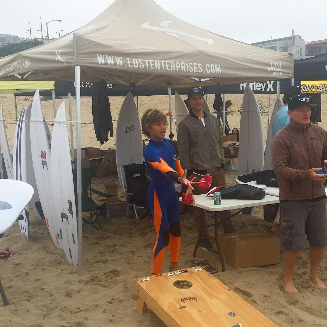...Lost surfboard demos + ...Lost clothing giveaways down at 26th Street in Manhattan Beach. In conjunction with @etsurf's #KooksOfHazard contest.