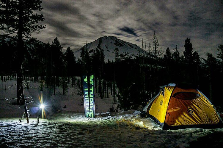 @moofosta #backcountry #wintercamping #splitboarding #tahoe @lumecube #getoutside #thrivesnowboards #explore