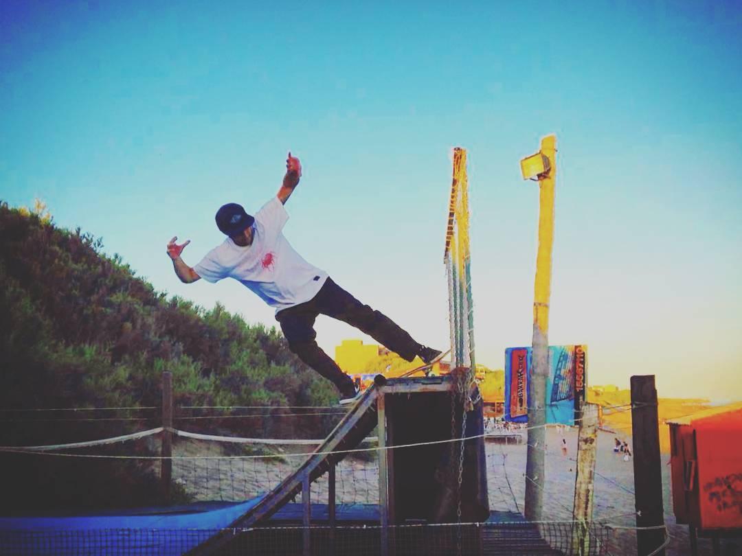 @wallacejuano chillin' #quequen #skateboarding
