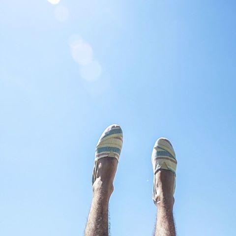 With your feet on the air and your head on the ground! Hay tantas Paez nuevas que se las vamos a ir enseñando poco a poco...stay tuned! #Paez #PaezWeLove BuenosAiresBuenaOnda16 paez.com / paez.com.ar