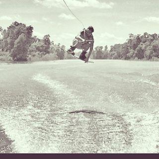 Felicidades a nuestro wilder @geroklein quien hizo podio en el #reefjam en @thegreenparrotco #keepgoing #wakeboard #wakeboarding #wowstyle #livingwowstyle #lifestyle #lifeiswow @reefargentina