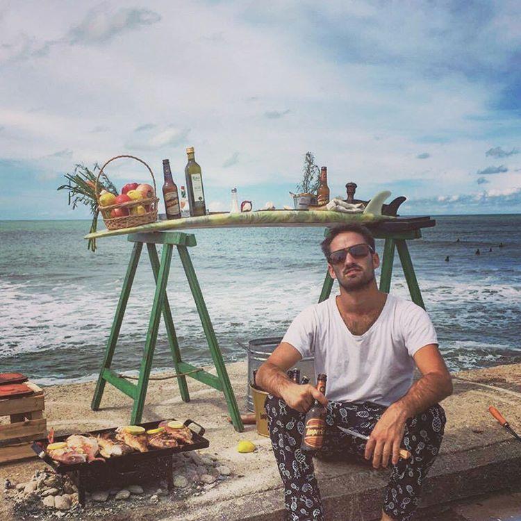@rodopuente y unos pescados listos para los surfistas. Lifestyler número uno.  #chillingpants  #chilling #chillingcompany