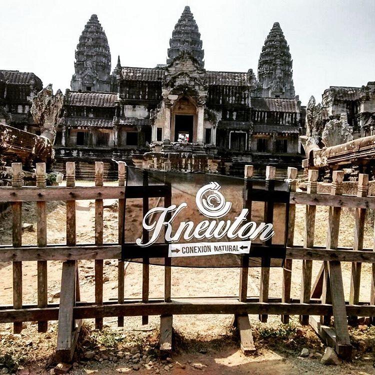 Knewton sigue de mochila por el mundo. Templo Hindú Angkor Wat, en Camboya! Donde se grabó Tomb Raider! Increíble lugar! .:Conexión Natural:. #TRIP #BACKPACK #CAMBOYA #TOMBRAIDER #BROHTER #LIFESTYLE #ROUTE #FLY #SUDESTEASIATICO #TRANKASTYLE...