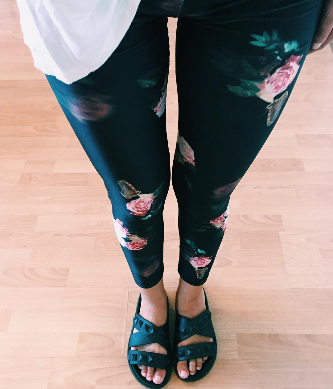 Date Night ⚡️ Legging Roses