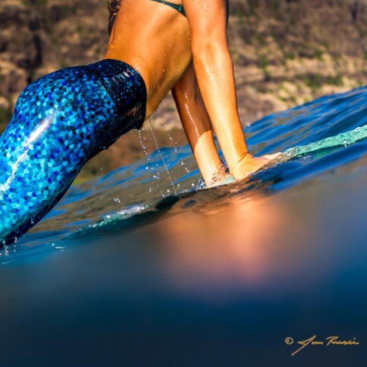 SNEAK PEEK @emi_erickson from our Hawaii photoshoot with @jimrussi | stay tuned for more... #Oahu #photoshoot #sneakpeek #scalesxherrin #emierickson #bigwavemermaid #wcw #OKIINO