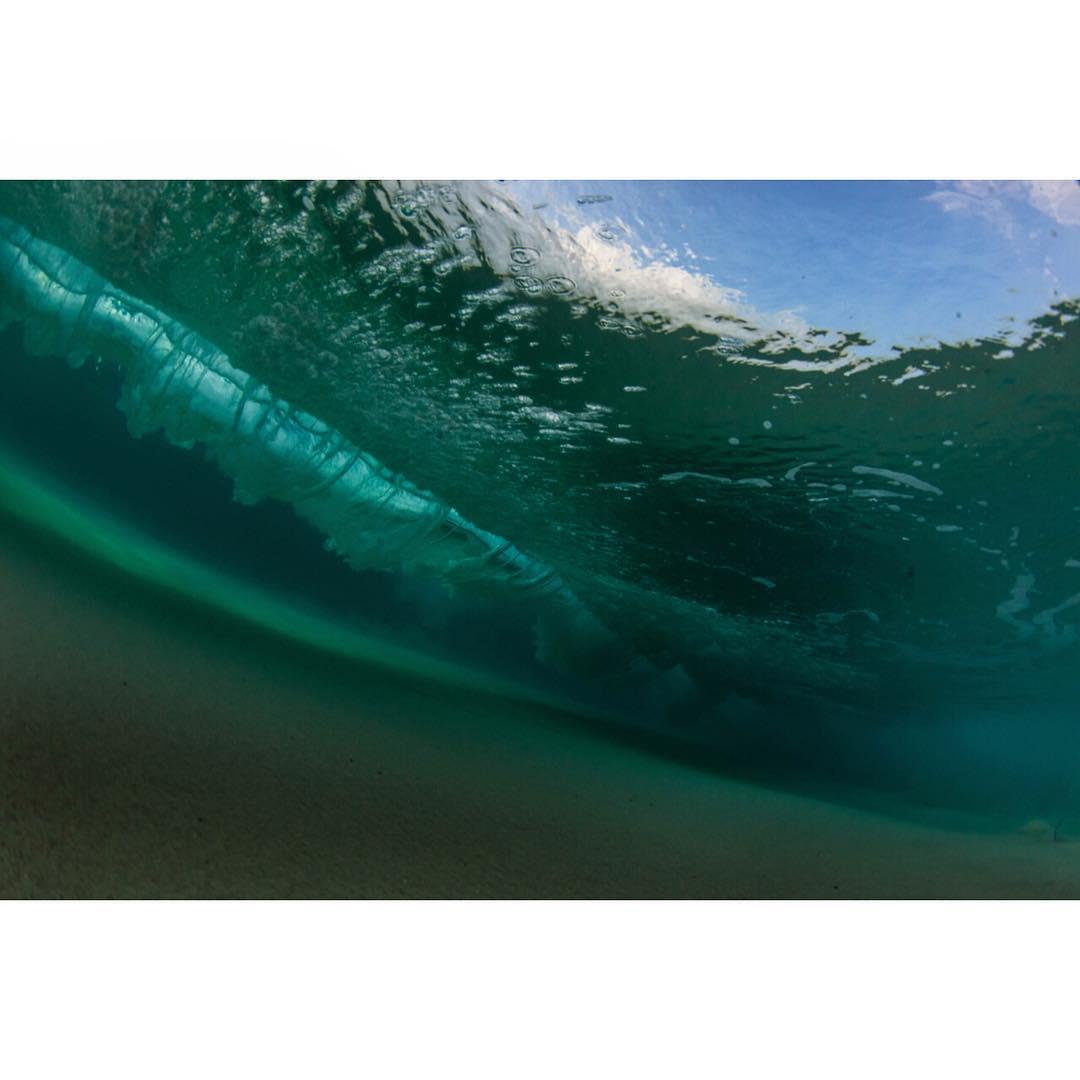 H I T T I N  T H E  F L O O R  #surfsup #standupjournal #OWNsurf #freesurfmag #showusyourwave #foamy #odinasurf #konaboys #kaenon #rareform #navitasnaturals #itakebioastin #dkwaterhousing