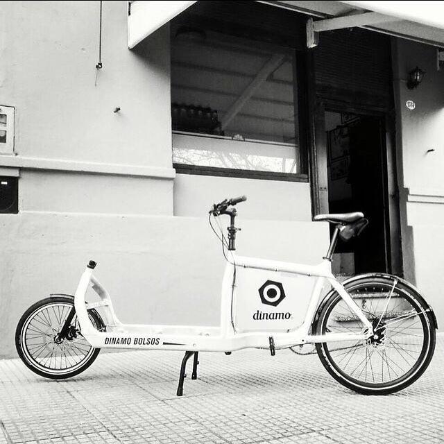 >>Dinamo es la manera en la que vivimos<< >>Bullitt es la bici en la que nos movemos<< @muvinstagram #larryvsharry