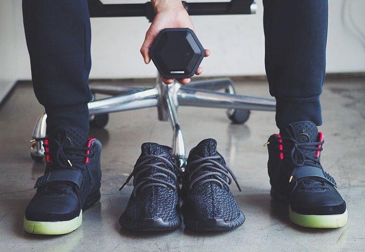 Yeezy season.  Boombot Pro in Pitch Black◼️ #essential #WDYWT #Yeezy #yeezyboost #yeezyboost350 #audiophile #sneakerhead #Essentials