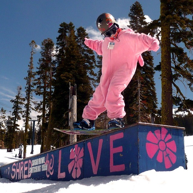 SHRED THE LOVE // Tahoe Who's ready for B4BC's #SHREDTHELOVE Rail Jam at @SugarBowlResort this Saturday?! Round out the whole week in Tahoe with awesome Shred the Love events like the Skate/BMX Jam at @WoodwardTahoe w/ pro skater @julzlovespoolz, B4BC...