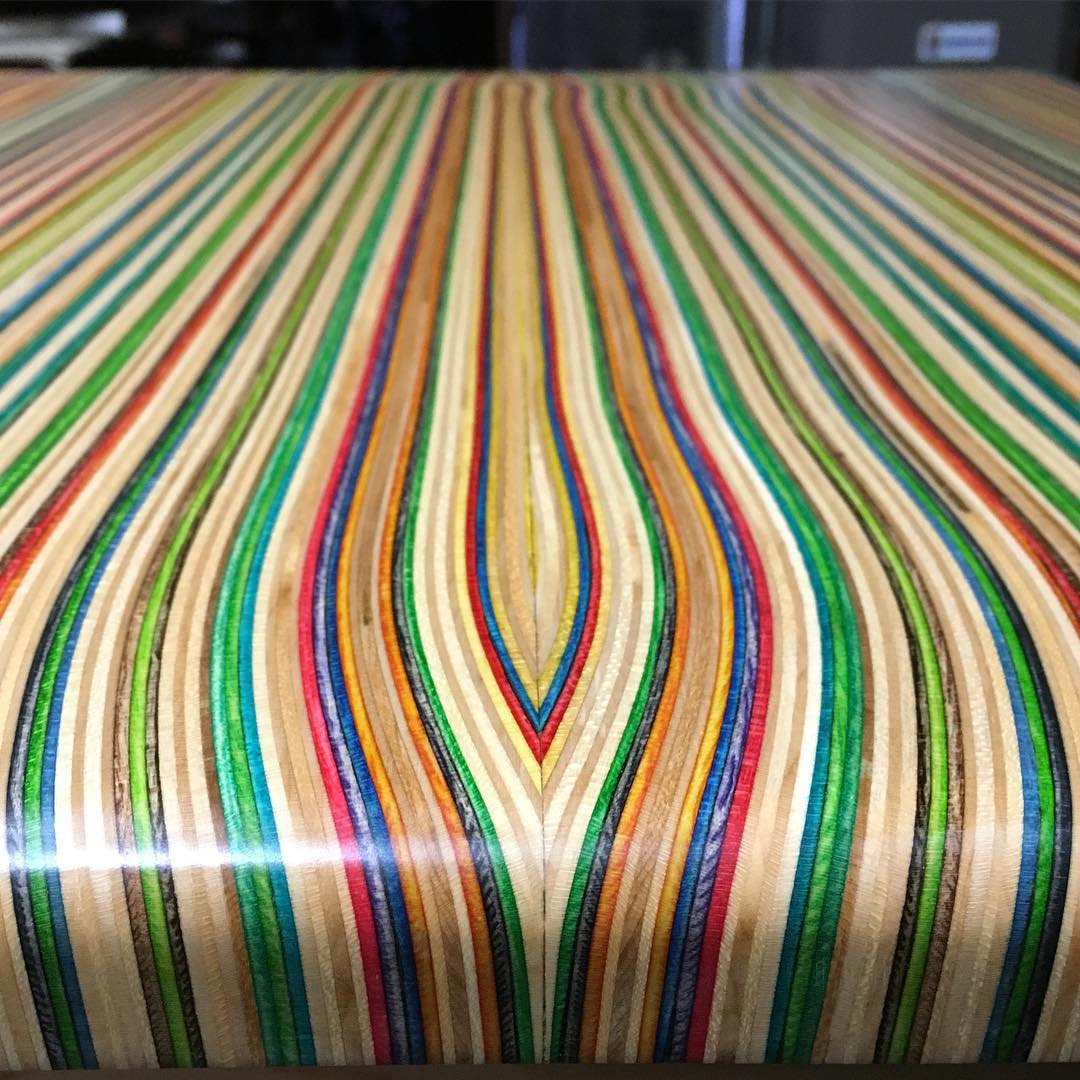 I'm mesmerized by the edge detail on these recycled skateboard countertops! #recycledskateboards #irisskateboards