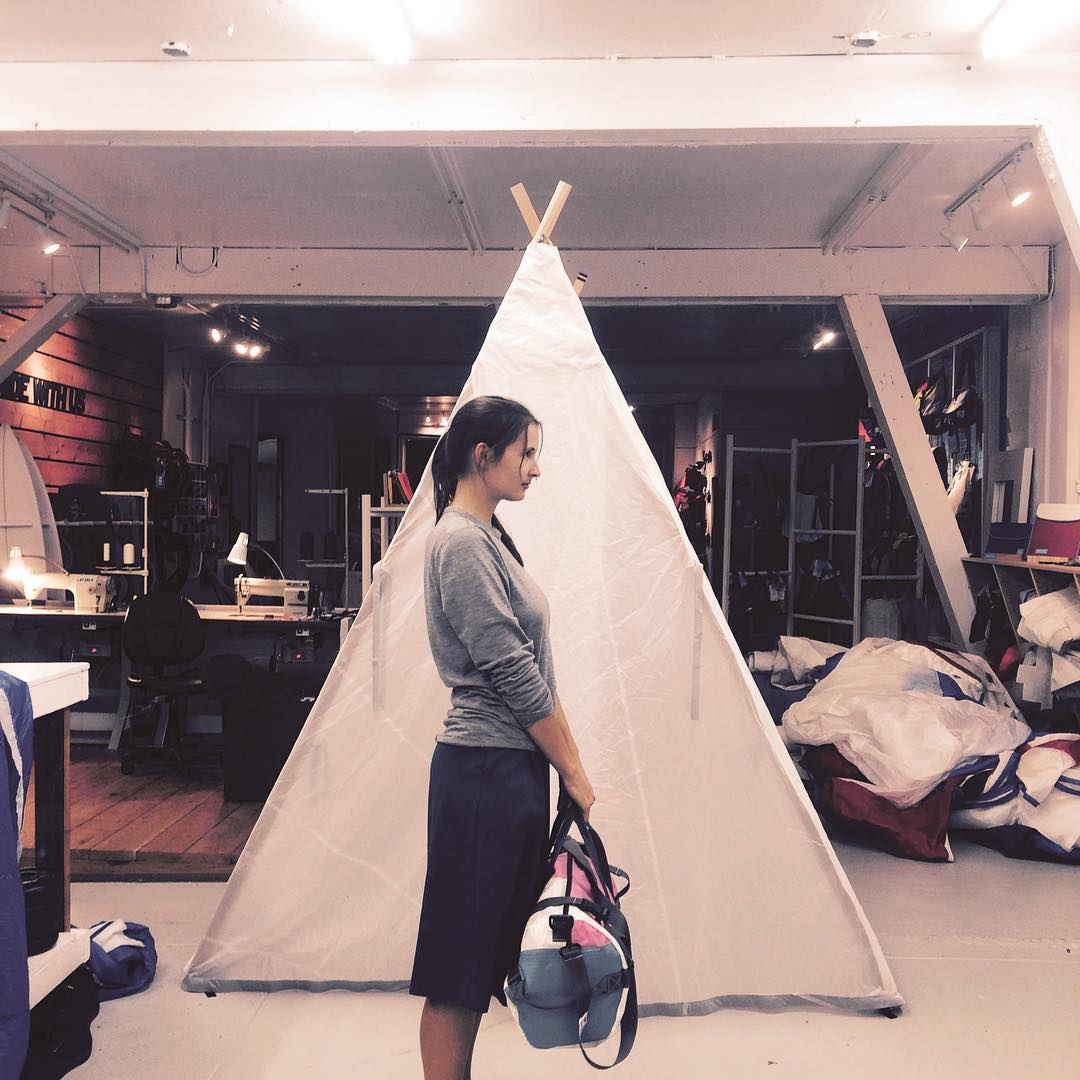 Random things #happening in our #studio // a tent made of spinnakers will serve as a nomadic retail around USA + a pink Tubo duffle from a 90's (futuristic) windsurf sail. Never imagine this when we first started recycling our old kite sails. ...