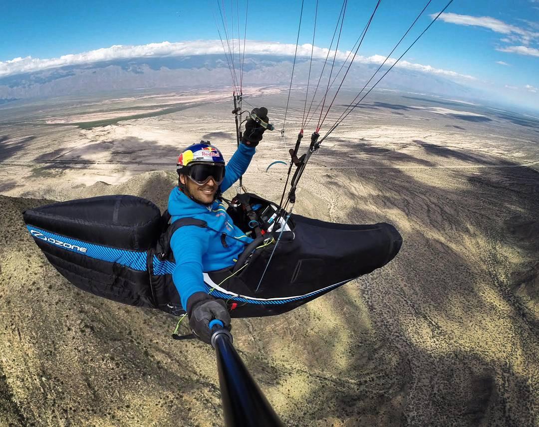Bienvenido al #TeamPrisma de manera oficial a @hpitocco Piloto profesional de parapente acrobático. Queríamos estar en el top top y que mejor que Hernán para tocar el cielo con las manos!  #GoPro #goproargentina #goproarg #PrismaPole