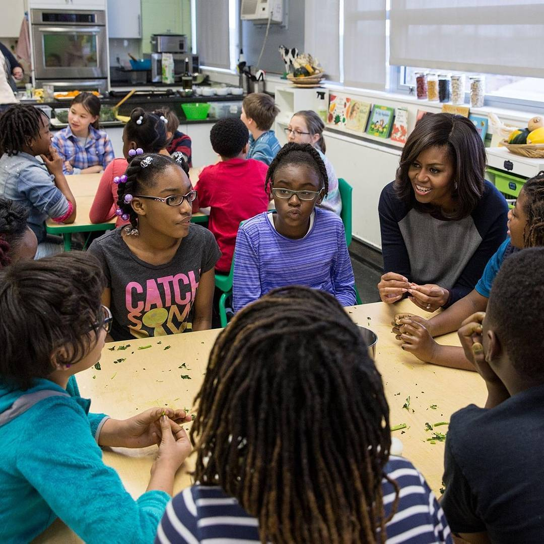 @michelleobama surprised Watkins Elementary School kids in #Washington DC yesterday! The elementary school has a #gardening program, cultivating #healthy lifestyles amongst it youth. #letsgrow