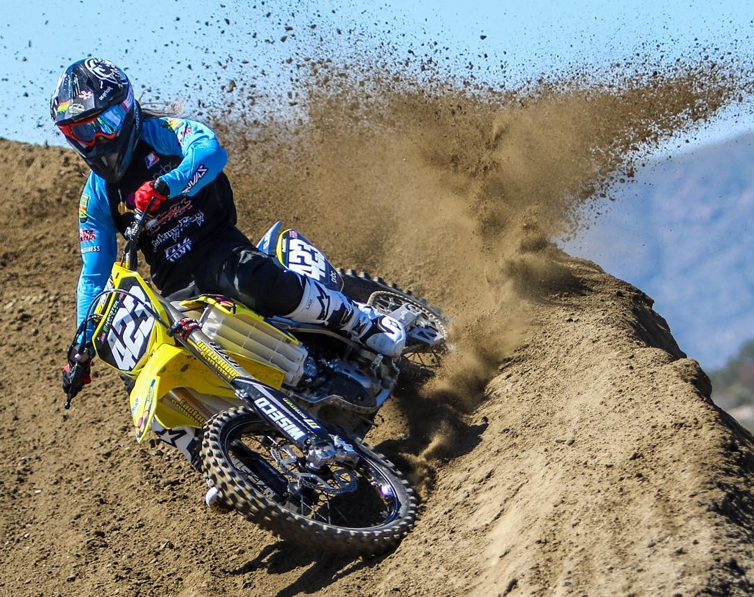 Help us wish @VGolden423 #GOODLUCK today at @SupercrossLIVE #Daytona ||