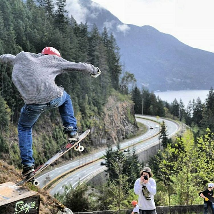Another @flatspotshop #highwayjam happens tomorrow and #rayne is in the forecast! rider @samneville_ ¡ @notjoey_k photo  #getslideways #gapthehighway #thebridgeiswet #flatspot #flatspotlongboards