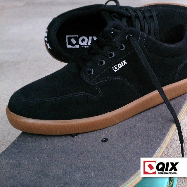 Modelo QIX BASE... Um tênis estiloso, confortável e com muita durabilidade para as sessões de skate.