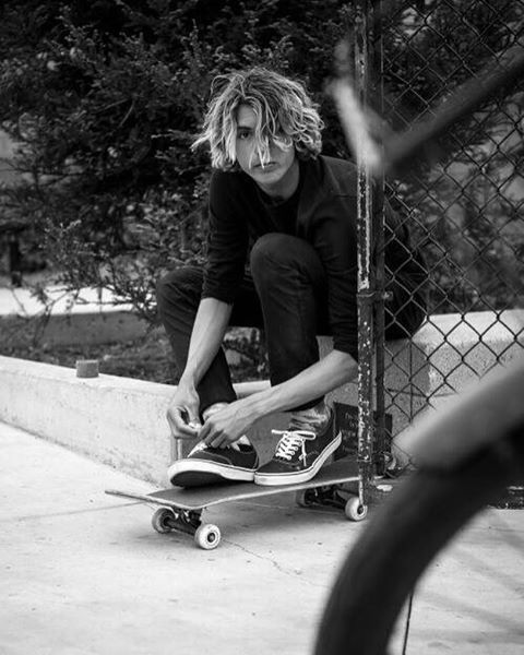 Ese Curren... #Authentic @vansskate