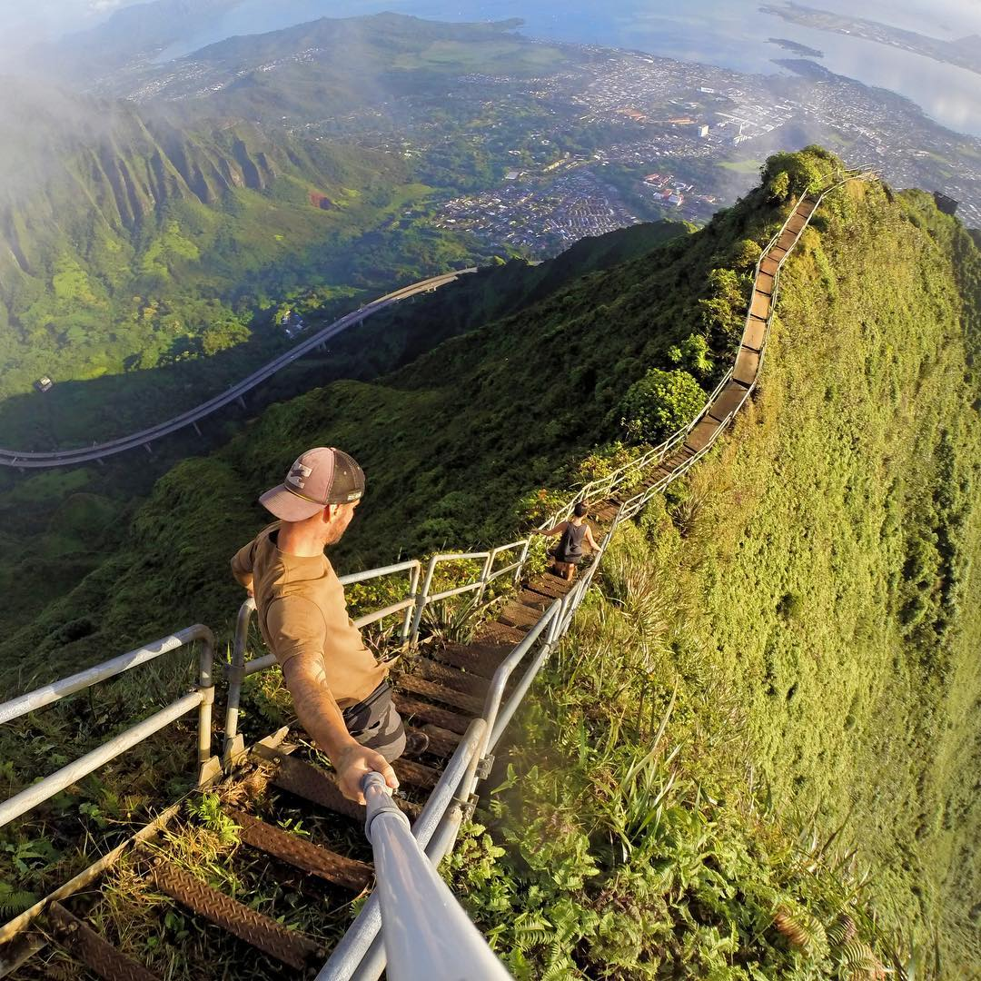 @americanwayfarers hiking Hawaii. GoPro HERO4 | GoPole Reach #gopro #gopole #gopolereach #hiking #hawaii