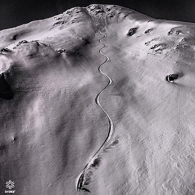 4FRNT Athlete Thayne Rich ( @t_hayne follow this man!) skiing one of the longest pow runs of his life in Gulmarg, India.