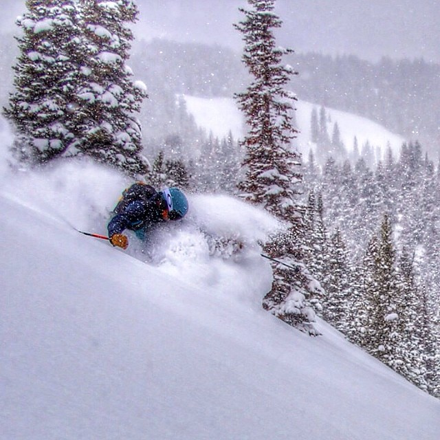 @aspensnowmass is still offering up pow days in April.  There is a #giver somewhere in there on @jaywsss feet.  Photo: @asponar