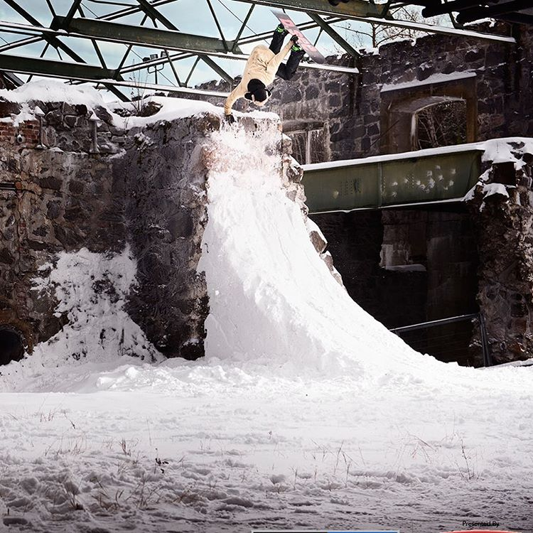 @AntoChamberland cranked it up in his #RealSnow edit!  Click the link on our profile page to check him out. (