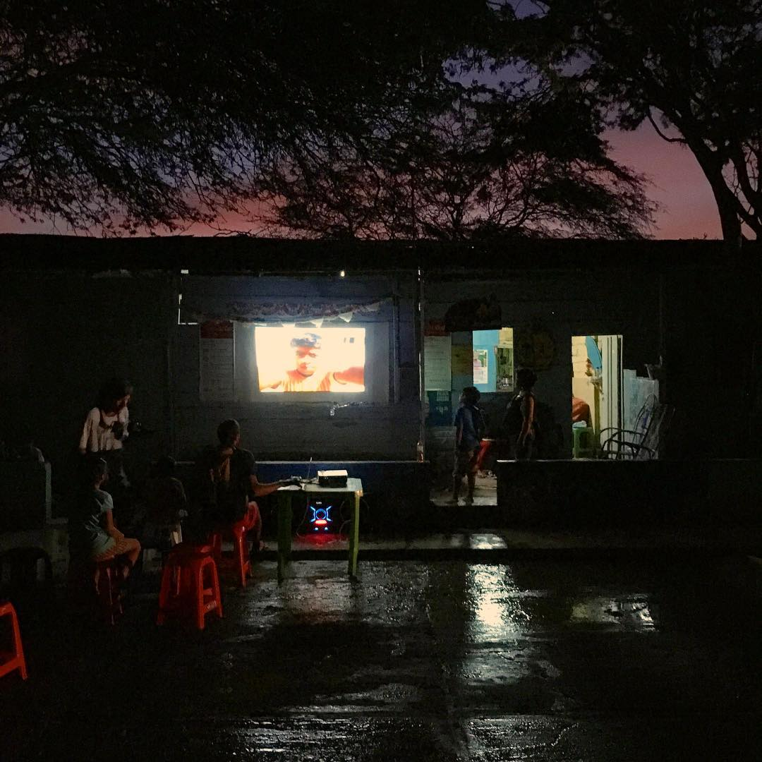 Power outages and water shortages as El Niño arrives to Lobitos, #miprimerfestival together with @lobitos_cinema_project and Fidho + familia manage to pull off a magical night of cinema. Not so long ago, our local friend Fidho started free Saturday...
