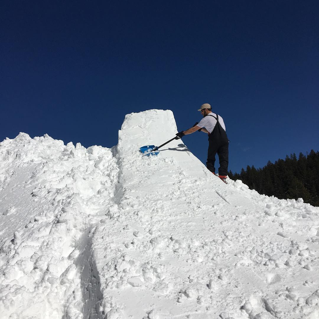 @alpal_ aka backcountry jump builder for hire putting in work on this hip @brightonresort #buildbetterjumps