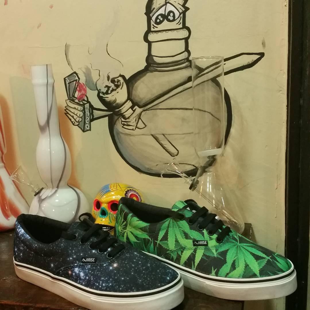 $700 all sizes #arisechillers #arisetrucks #ariseskateboarding