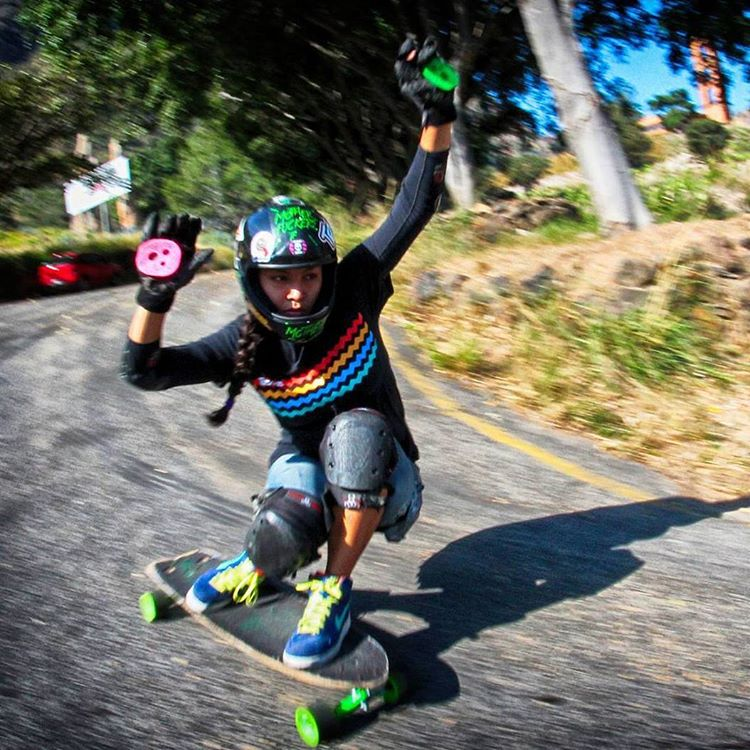 @liz_flores_  shredding a steep left bender somewhere in Mexico on her Holesom Stardust and Holesom pucks tambien #smellsgood #keepitholesom  pic by homie @Dacar David #tbt