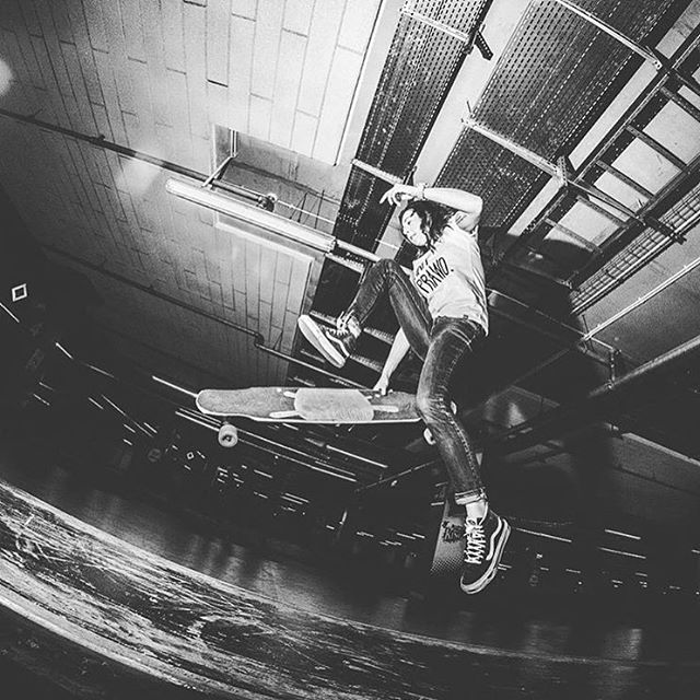 LGC Polish Ambassador @bubblegumlongboard getting some air. @flypicss photo.  #longboardgirlscrew #womensupportingwomen #skatelikeagirl #lgcpoland #nataliakowerda #longboard