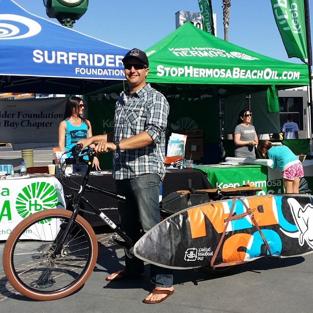 Great day tabling at the Spyder surf fest, with our good friends Surfrider South Bay and Keep Hermosa Hermosa. I packed the entire booth display on my cargo bike. Low carbon transportation... Living a #deepbluelife. Thanks to #keephermosahermosa...