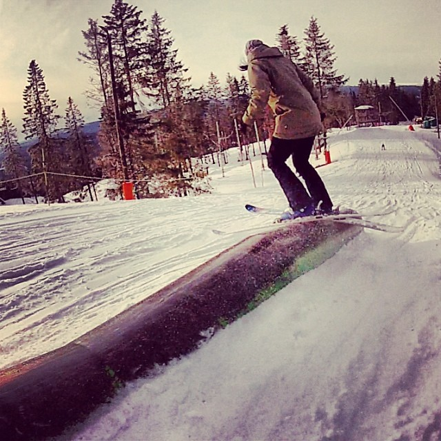 @s_dejin playing in the #park on her #Coalition #skis. #skiing #Sweden #sisterswhoshred