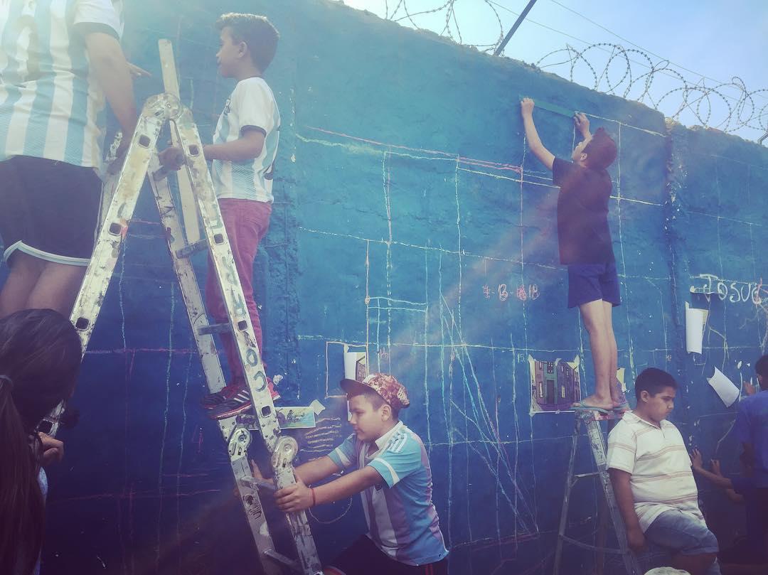 Juntos somos uno! #darte #mural #streetart cc @pintolaisla #islamaciel