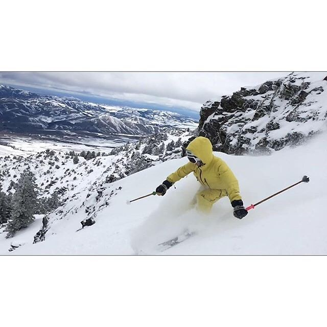 After being taught to ski by TanSnowMan only 6 years ago, MoPho--the Panda Queen--finally dropped in on Pebble Creek's notorious 'North Bowl' last week! And she crushed it!  #TribeUP li'l MoPho!  Photo: @boferro  @mophofomo  #PandaPoles #PandaTribe...
