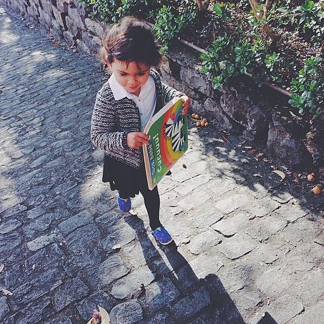 A never ending story - Regram: @catandlolawonderland  #Paez #MiniPaez #Kids #PaezShoes #PaezFleitas