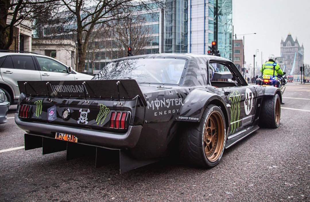 Damn Hoonicorn! Back at it again with the street take overs. #Hoonicorn