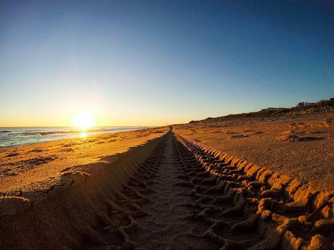 Carve out your own path ... and what better way to do it than with ulu LAGOON. Photo by @gopro.obx.