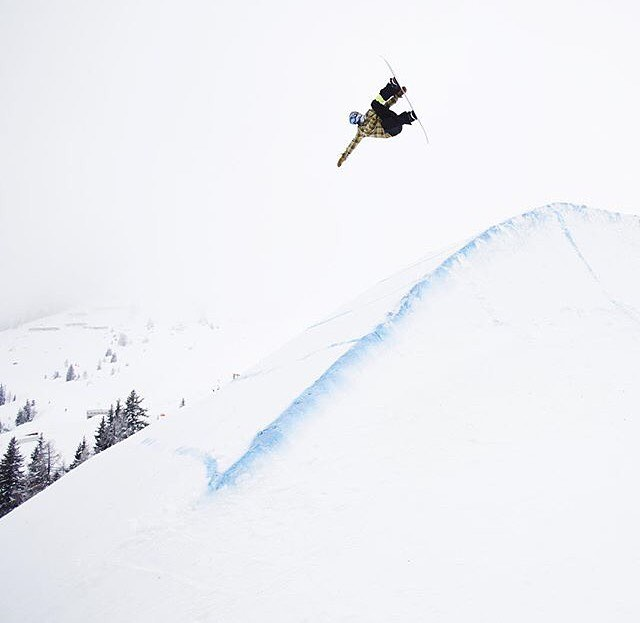 Our good friend and MHM sponsored pro snowboarder, @sethdreidelhill, has been killing it this season! Every time we turn around he's in/on Transworld or Snowboarder. Here he is at @absolutpark in #Austria, crushing as ushe (sp?).