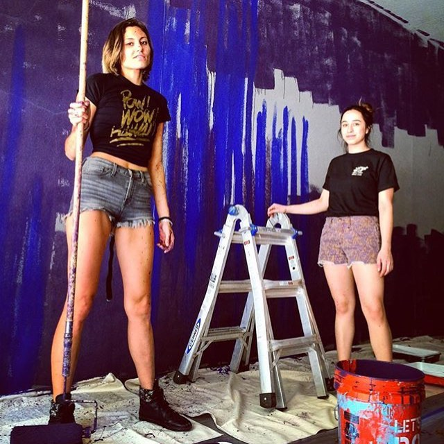 @_xgray & @allyroseazar Making magic happen & helping @elenizzle with her piece for #powwowsxsw • • @Sxsw @powwowworldwide Location: @lamarunion • • #atx #art #austintx #texas #tx #spratx #spratxfamily #spratxfriends #powwowhawaii