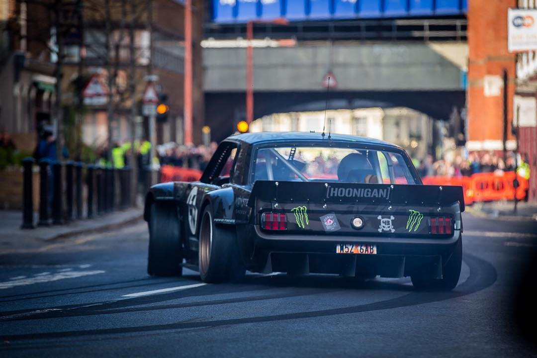 It's not everyday you see HHIC @kblock43 tear through the streets in the Hoonicorn. #happymonday #TopGearLondonTakeover