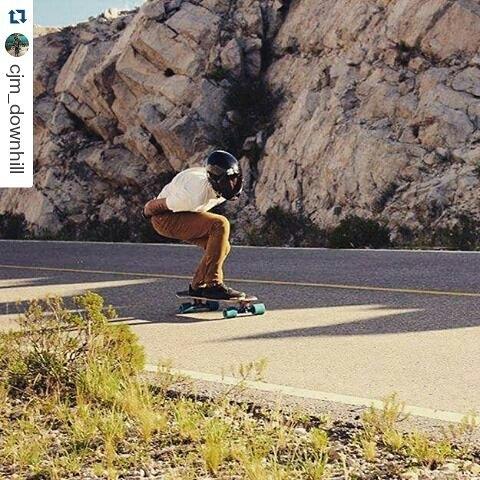 Claudito dandoleeee... #Repost @cjm_downhill ・・・ En Nogolí.. Metiendo esa derecha a fondo! #longboarding #freeride #downhill #skate #casual #clothing #ride #fast #fun #sunset #gram #instapic #enjoy #argentina #skategram #world #instamood #travel...