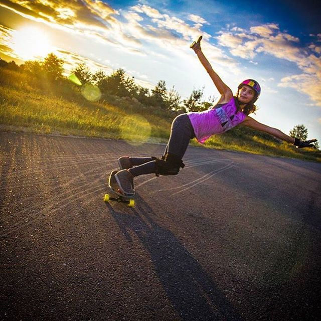 Go to longboardgirlscrew.com to check @mckaywilsonskate's latest edit going fast, sliding long and shredding the bowl. She's one rad human.  Trent Gobel @tgobs603 photo. #longboardgirlscrew #womensupportingwomen #skatelikeagirl #lgc #micaelawilson