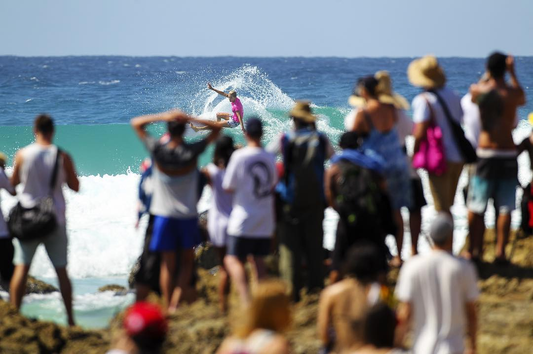 IT'S ON! The girls are in the water for Rd 4 at the #ROXYpro