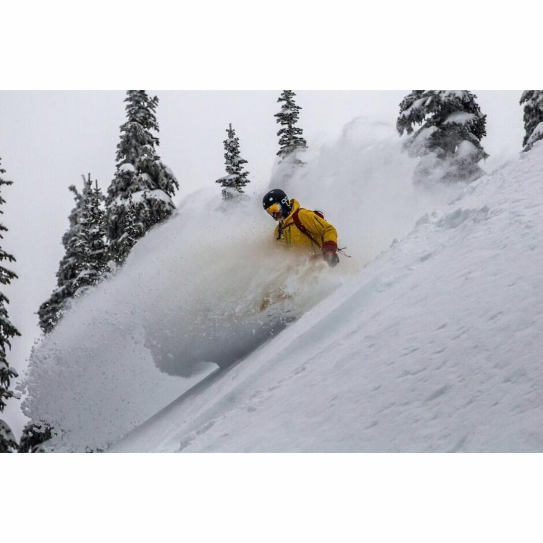 our friend Chris scoring at @baldfacelodge  #awesome #awesomesurfboards #powderdays
