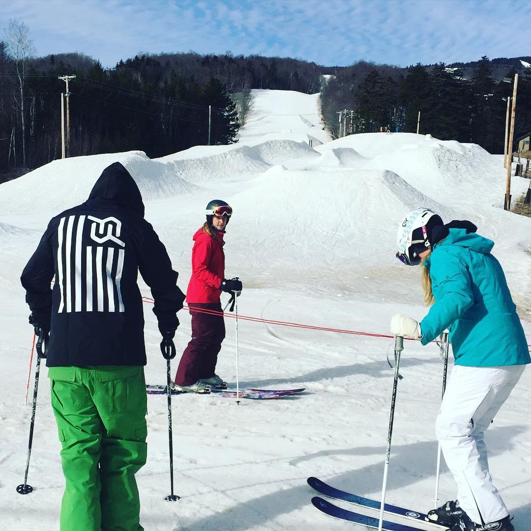 #springskiing #justsendit #carinthia #mountsnow #vermont #WhoaBrah #skiing802 #ilovevt #skiing #snowboarding @mountsnow @carinthiaparks