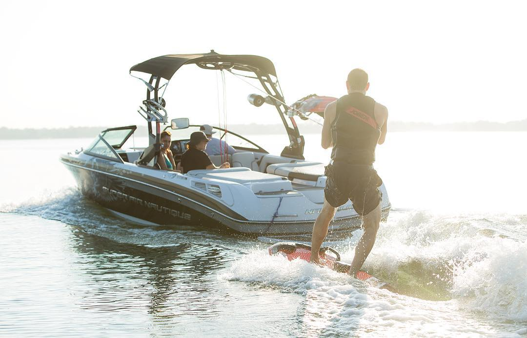 Which position on the Omnia do you like the most? Tell us in the comment section below!  1.kneeled 2.kneeled advanced 3. waterski stance 4. wakesurf stance 5. lay down 6. Wakeboarding stance