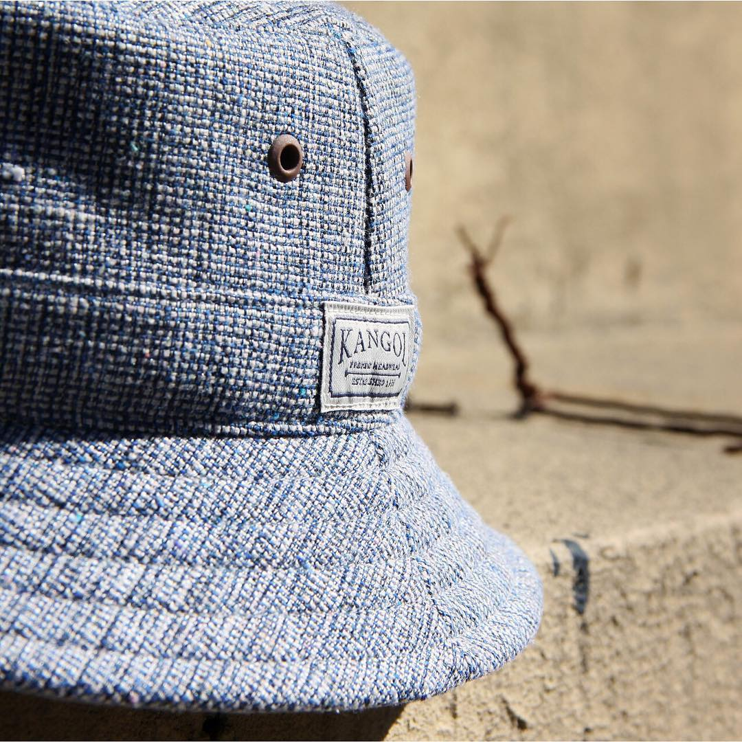 Available just in time for Spring, the #kangol Oxford Collection features a cotton and poly blended fabric, with a subtle two-color weave. Metal eyelets surround the top of each piece, allowing for maximum ventilation and comfort.  Link up top☝