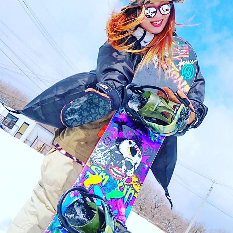 @kq130 got it going on with her setup #weareOK | #ForRidersByRiders | #handmadeUSA | #smokinsnowboards