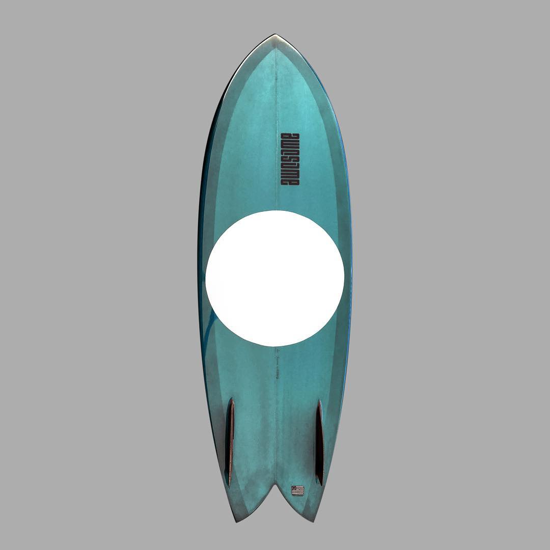 webros retro fish / resin tint / 5'7 / wooden glass on fins  #awesome #awesomesurfboards #surfing #surfboard #shredsled #twinfish