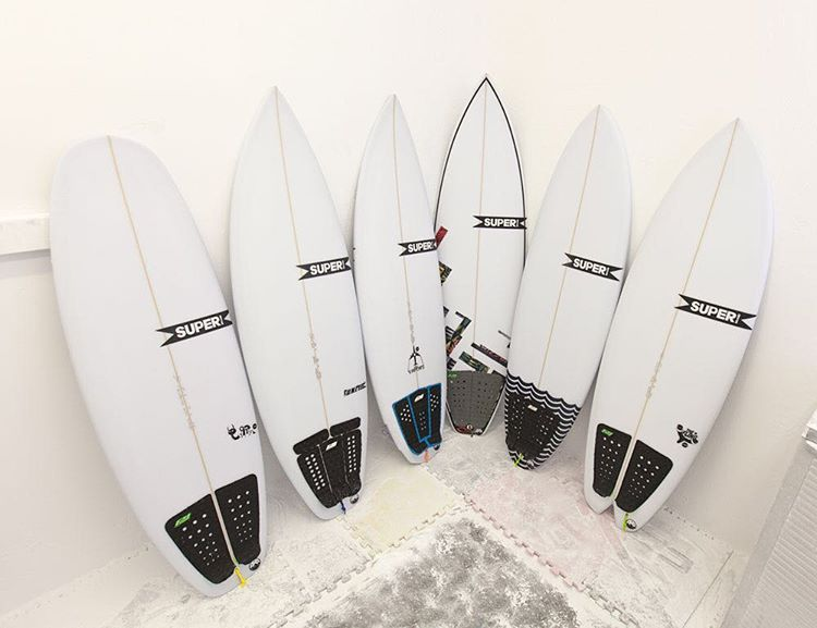 If you find yourself in Cardiff this weekend for @surfride Camp Shred, we highly recommend you take one of these @super_brand boards for a spin with @proliteint Micro Dot traction pads! The Slug, Unit,Vapors GT, Mad Cat, Pig Dog, and Fling from left to...